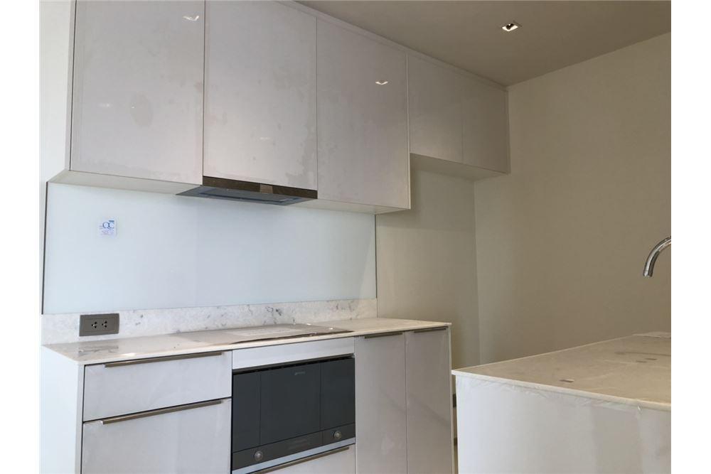 RE/MAX Executive Homes Agency's Nice 2 Bedroom for Sale Ashton Silom 7