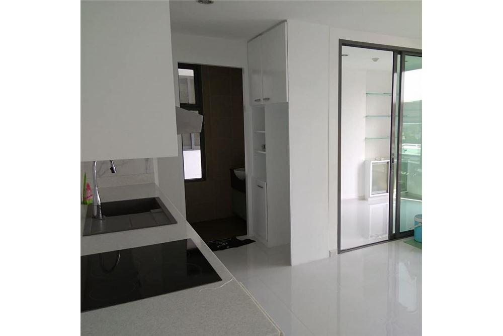 RE/MAX Properties Agency's for rent 1+1 Bedroom Ekkamai pet friendly 5