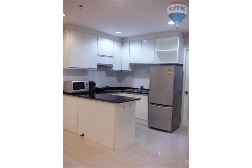 RE/MAX Properties Agency's Serene Place Sukhumvit 24 For Rent 5