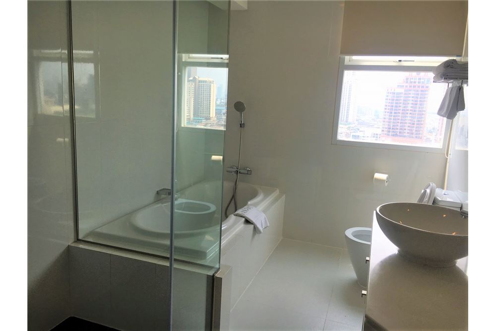 RE/MAX Executive Homes Agency's Apartment 3 Bedrooms / For Rent / in Asoke area 10
