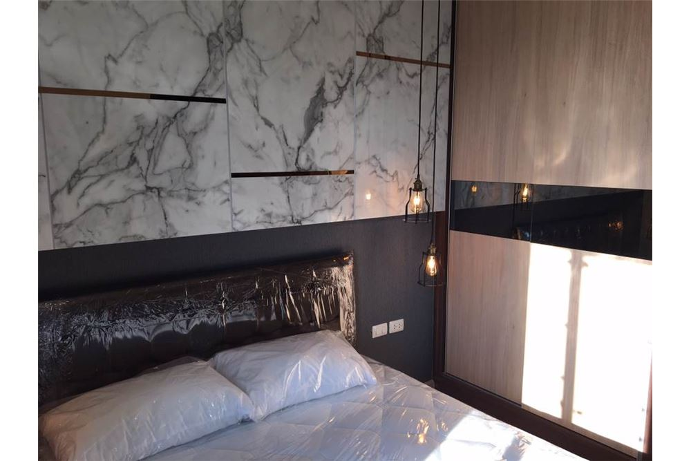 RE/MAX Properties Agency's Brand new 1 Bedroom for rent Rhythm Asoke 5