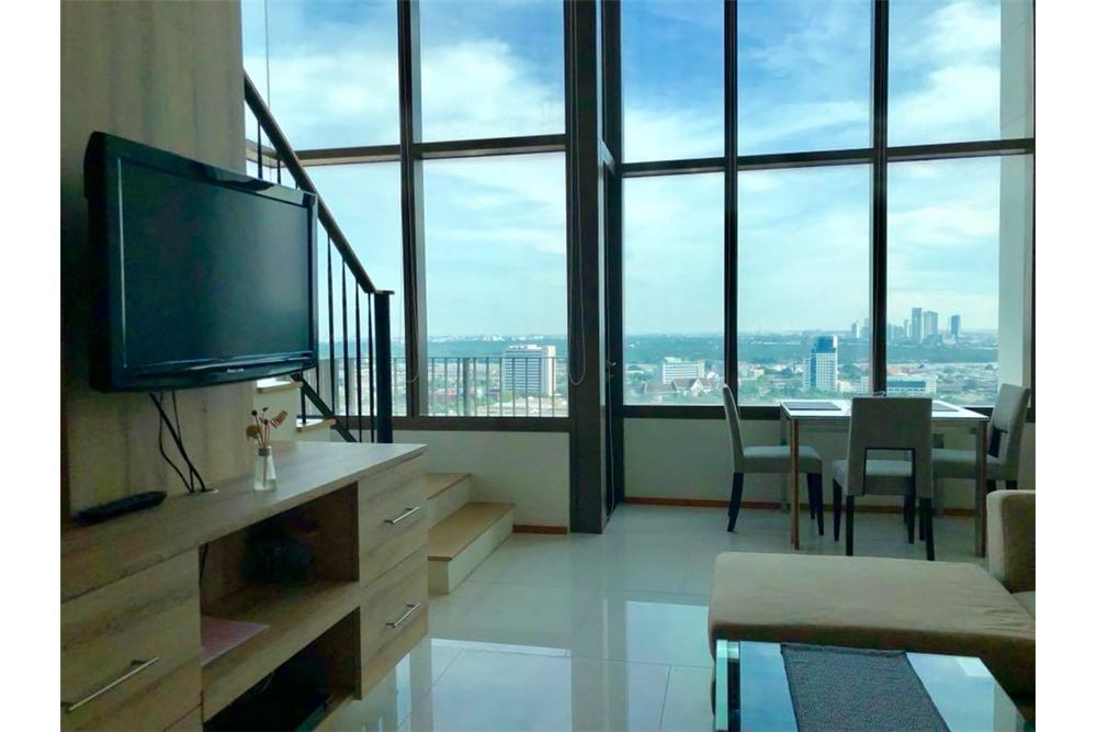 RE/MAX Properties Agency's RENT The Emporio Place Duplex 82.68SQM. 5