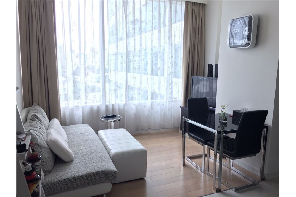 RE/MAX Executive Homes Agency's Spacious 1 Bedroom for Rent Eight Thonglor 1