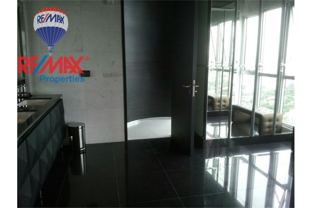 RE/MAX Properties Agency's FOR RENT  RHYTHM SUKHUMVIT 50  1BED 36SQM 3