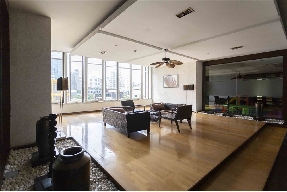 RE/MAX Properties Agency's RENT Athenee Residence 2BED 133SQM. 19