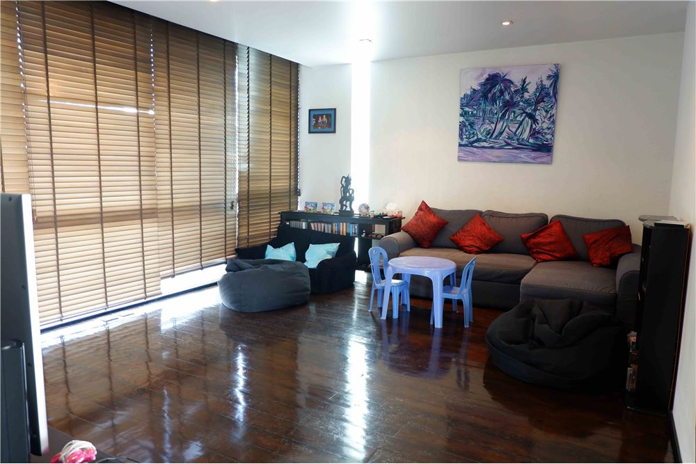 RE/MAX Properties Agency's FOR RENT FICUS LANE PENTHOUSE 5 BEDS 420 SQM 6