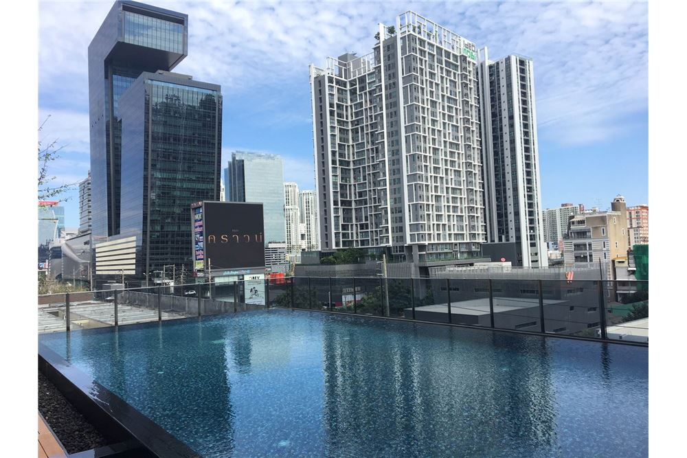 RE/MAX Properties Agency's Brand new 1 Bedroom for rent Rhythm Asoke 19