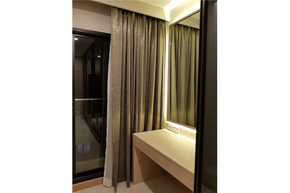 RE/MAX Properties Agency's 1 Bed for rent 55,000 THB 5