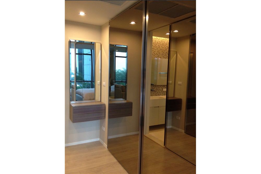 RE/MAX Properties Agency's RENT The room sukhumvit 21 1BED 50SQM. 9