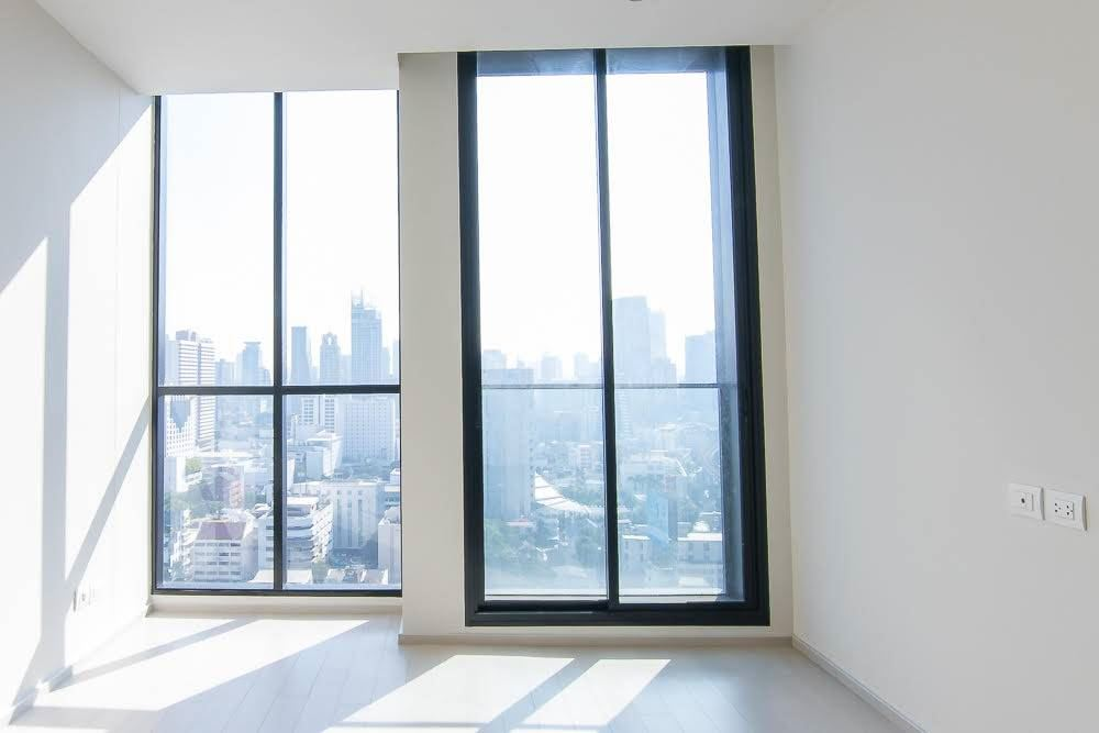 RE/MAX Executive Homes Agency's Spacious 2 Bedroom for Sale Noble Phloenchit 5