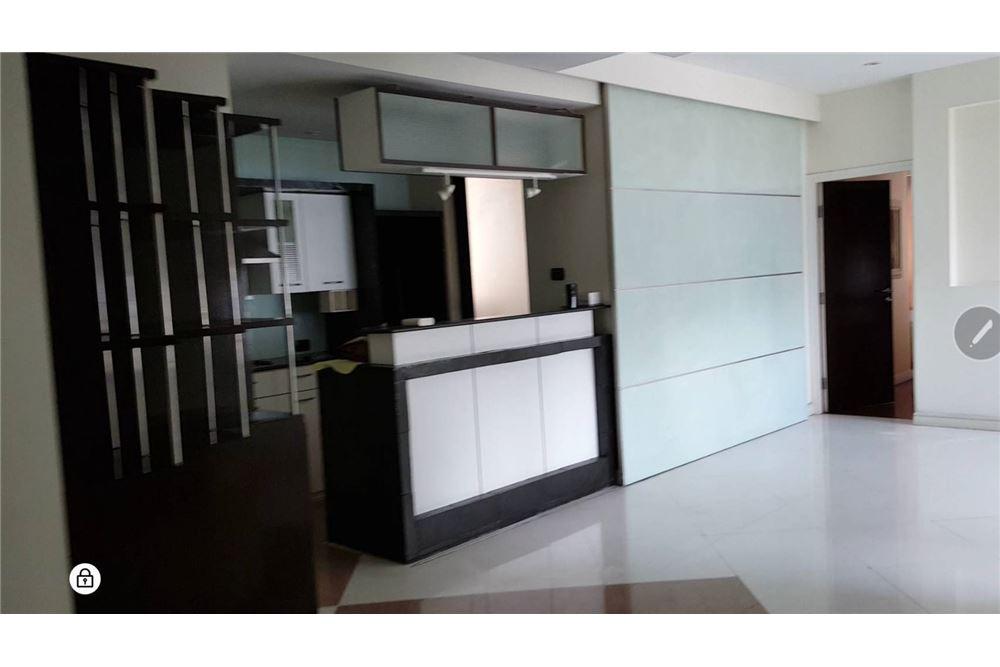 RE/MAX Properties Agency's SALE Baan Piya Sathorn 2BED 137SQM. 5