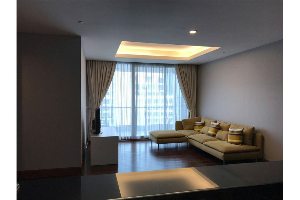 RE/MAX Executive Homes Agency's Nice 2 Bedroom for Rent Sky Villas Sathorn 1