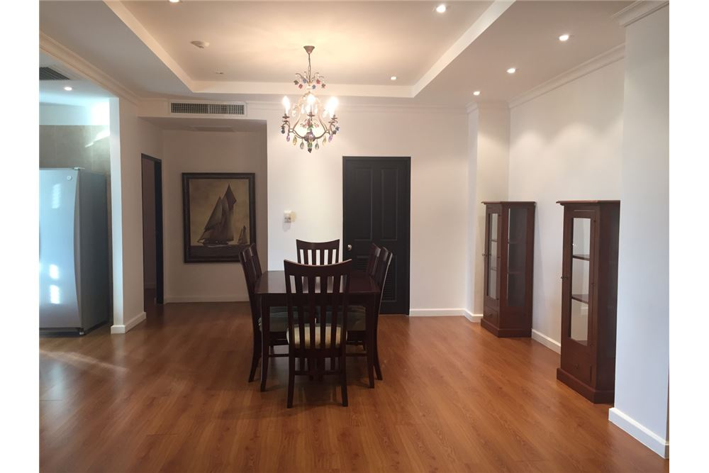 RE/MAX Executive Homes Agency's The Cadogan Private Residence / 3 Bed / For Rent 3