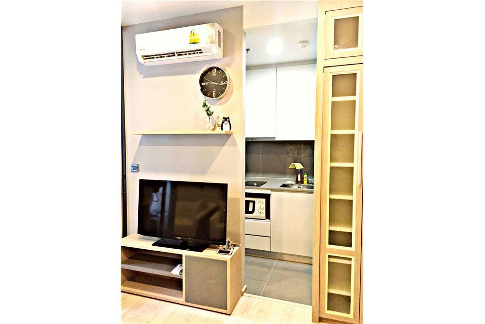 RE/MAX Executive Homes Agency's M Thonglor 10 1 bed, pet friendly near BTS Ekkamai 7