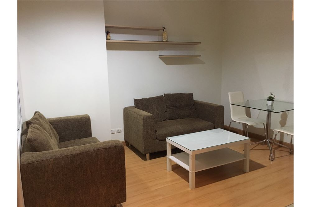 RE/MAX Properties Agency's Sale Life @ Ratchada - Suthisan 1bedroom near MRT 2