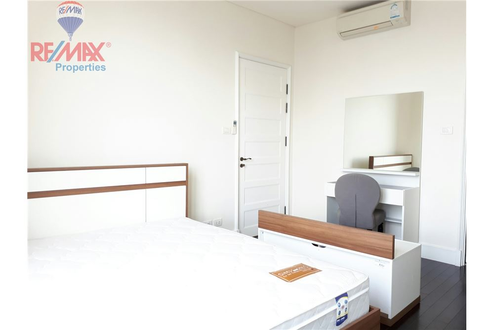 RE/MAX Properties Agency's RENT 3 Bedroom 150 Sq.m at Aguston Sukhumvit 22 8
