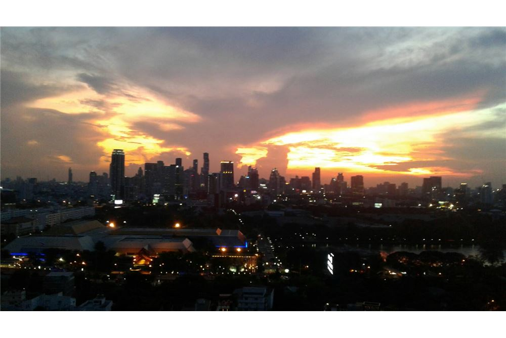 RE/MAX Properties Agency's SALE Aguston Sukhumvit 22 1BED 60SQM. 4