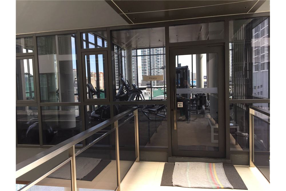 RE/MAX Properties Agency's Brand new 1 Bedroom for rent Rhythm Asoke 21